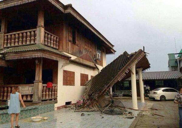 Разрешенный дом после землетрясения на севере Таиланда