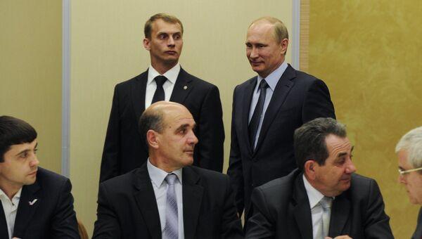 Владимир Путин встретился с представителями крымских татар