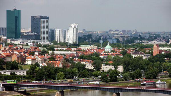 Вид на Гданьский мост через реку Висла в Варшаве. Архивное фото
