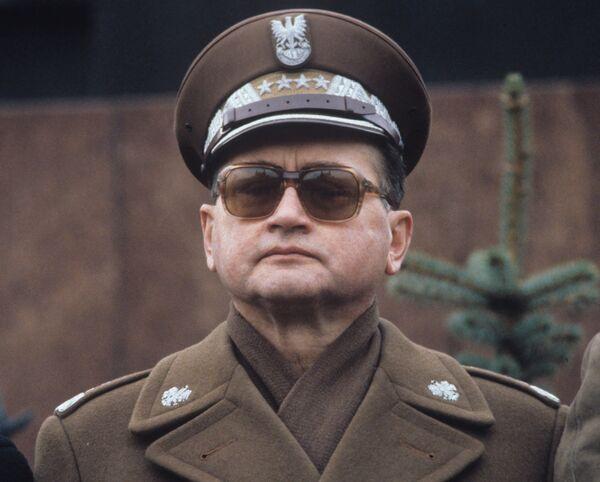 Первый секретарь ЦК Польской объединённой рабочей партии, Председатель Совета Министров Польской Народной Республики Войцех Витольд Ярузельский