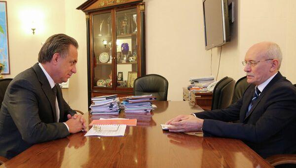 Виталий Мутко и Рустэм Хамитов (слева направо)