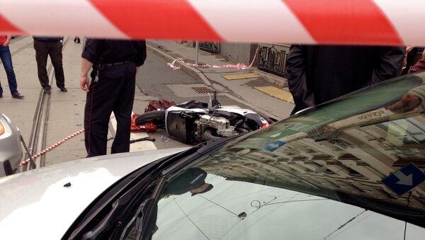 Скутер киллера, расстрелявшего автомобиль Mercedes на улице Покровка,17