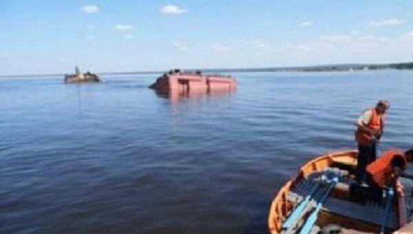 В Пермском крае затонула баржа
