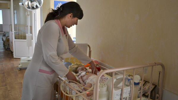 Женя Езекян в больнице Славянска. Архивное фото