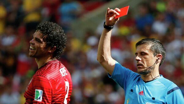Игрок сборной Португалии Пепе. Архивное фото