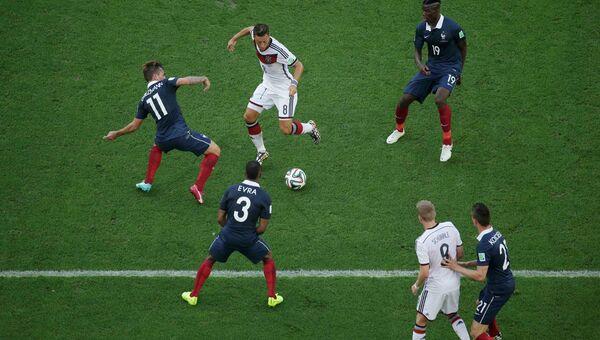 Матч ЧМ по футболу между сборными командами Германии и Франции