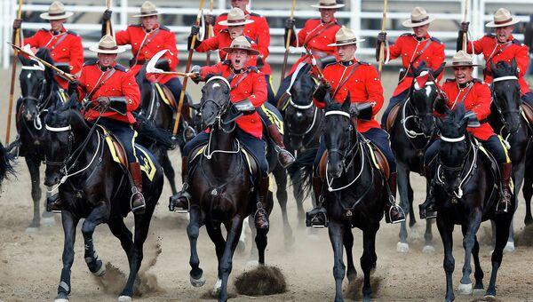Члены Королевской канадской конной полиции