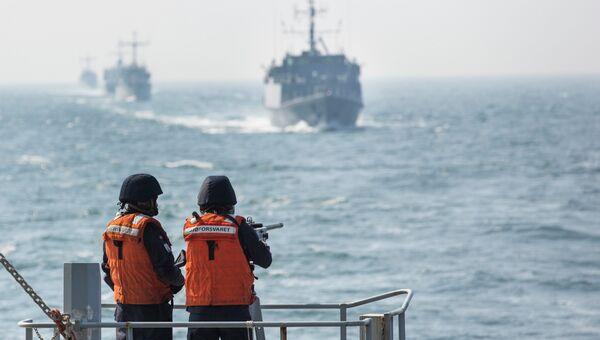 Норвежские моряки во время учений НАТО в Балтийском море