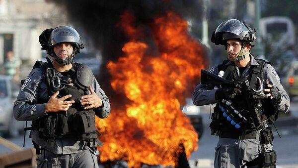 Израильские полицейские в Назарете во время протеста израильских арабов