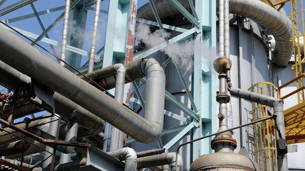 Работа  отделения управления переработки газа, архивное фото