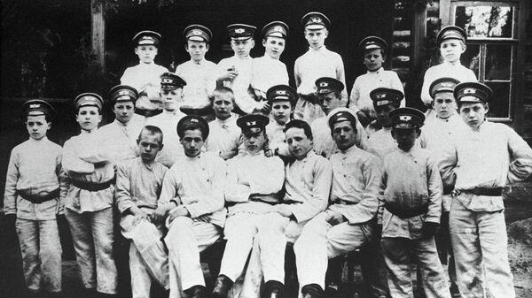 Гимназисты. 1913 год