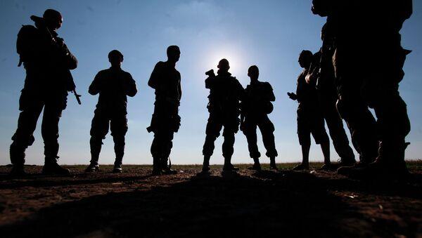 Солдаты украинской армии в Донбассе. Архивное фото