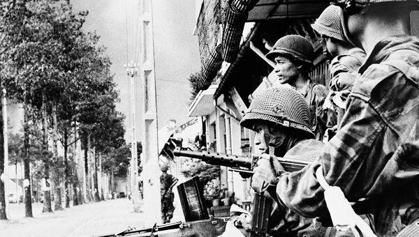Солдаты национальной армии Южного Вьетнама в Сайгоне, 1955 год