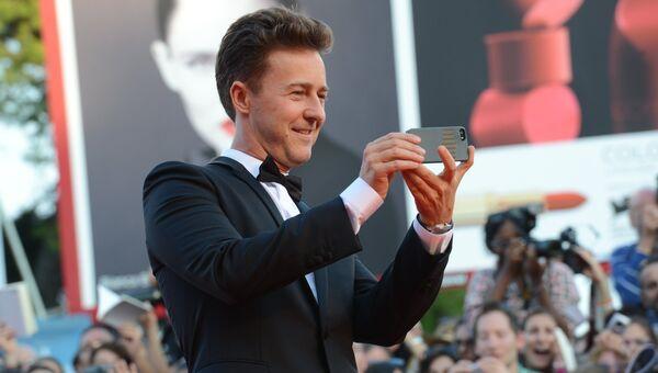 Американский актер Эдвард Нортон на церемонии открытия 71-го Венецианского международного кинофестиваля