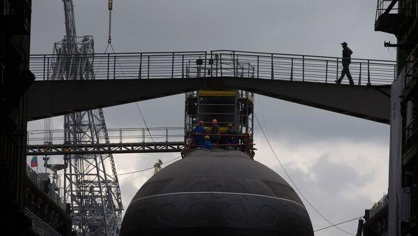 Спуск на воду дизель-электрической подводной лодки. Архивное фото