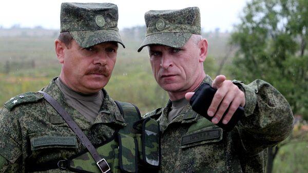 Офицеры во время учений системы материально-технического обеспечения Восточного военного округа