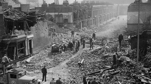 Улица Лондона после обстрела. 8 сентября 1940
