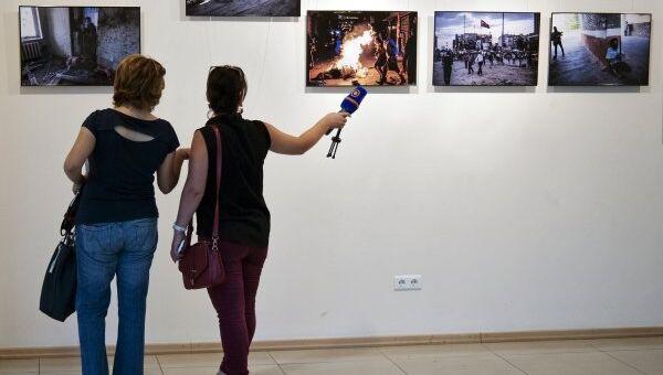 Фотовыставка о войне в Донбассе