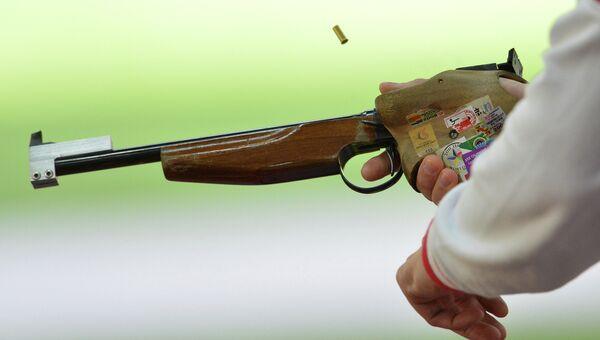 Cтрельба из малокалиберного пистолета с 50 метров. Архивное фото