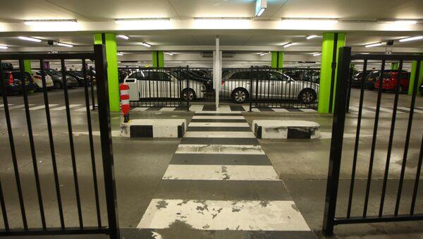 Подземная парковка. Архивное фото