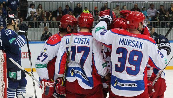 Игроки ЦСКА в матче регулярного чемпионата Континентальной хоккейной лиги
