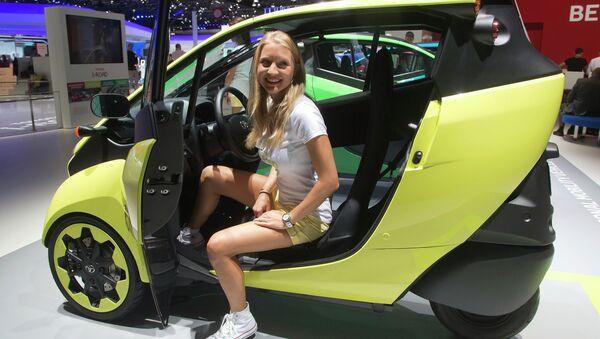 Электромобиль Toyota i на Парижском автосалоне