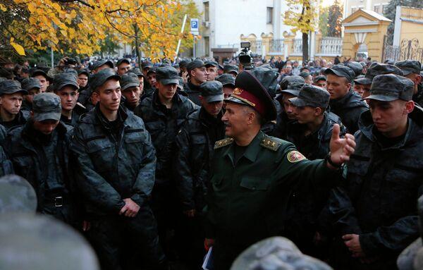 Бойцы Нацгвардии Украины устроили акцию протеста у администрации президента в Киеве