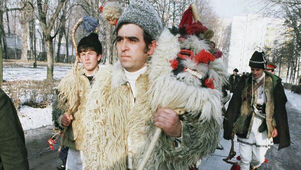 Артисты фольклорного театра в молдавском селе