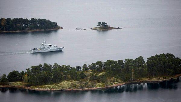 Шведский минный тральщик патрулирует воды Стокгольмского архипелага, архивное фото.