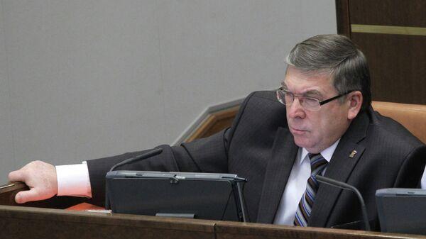 Руководитель комитета по соцполитике Валерий Рязанский