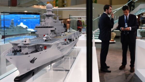 Стенд компании Fincantieri на 24-й Международной выставке военно-морской техники и вооружения Euronaval 2014