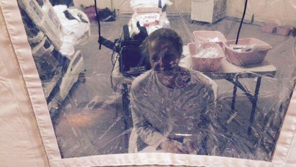 Каси Хикокс американская медсестра которую несколько дней держали под карантином подозревая в заболевании лихорадкой Эбола