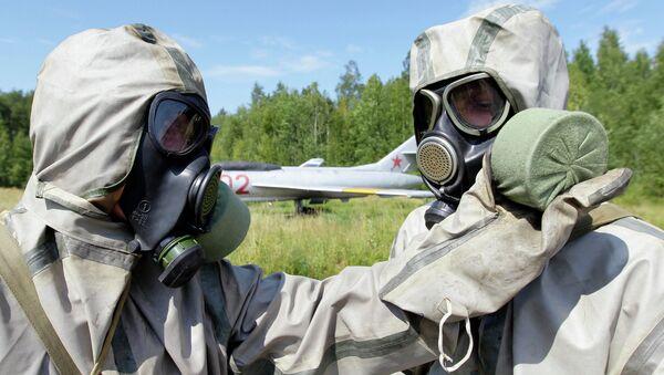 Военнослужащие из состава войск радиационной, химической и биологической защиты. Архивное фото
