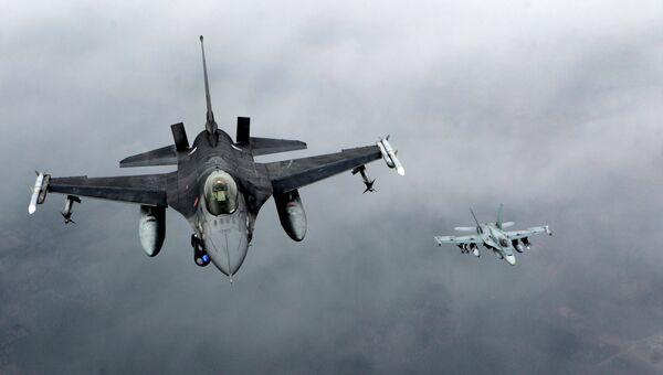 Истребители ВВС Португалии и Канады над Балтией в рамках программы НАТО