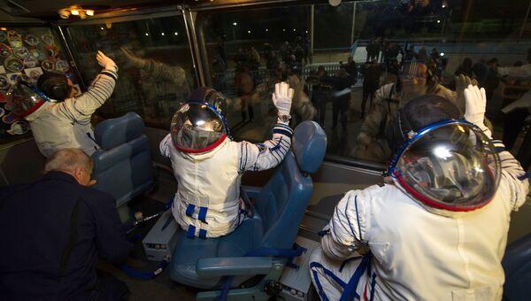 Члены основного экипажа 42/43-й длительной экспедиции на Международную космическую станцию