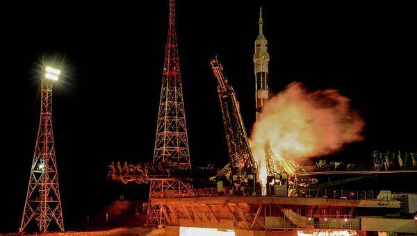 Старт ракеты-носителя Союз-ФГ с транспортным пилотируемым кораблем Союз ТМА-15М на космодроме Байконур. Архивное фото