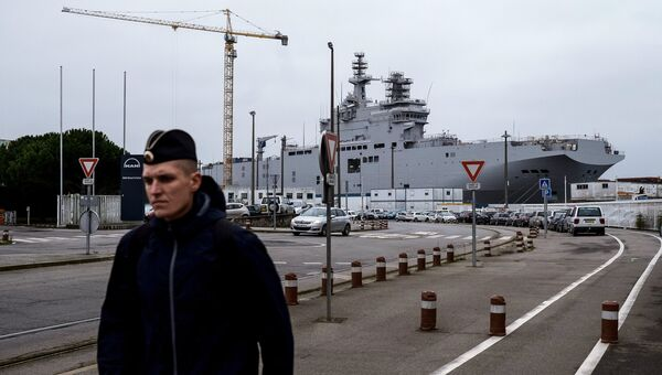 Десантный корабль Севастополь типа Мистраль Десантный корабль Севастополь типа Мистраль на судостроительном заводе фирмы STX Europe. Архивное фотона судостроительном заводе фирмы STX Europe