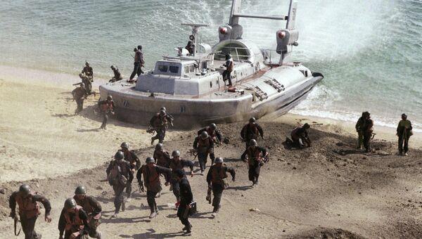 Высадка морской пехоты Черноморского флота. Архивное фото