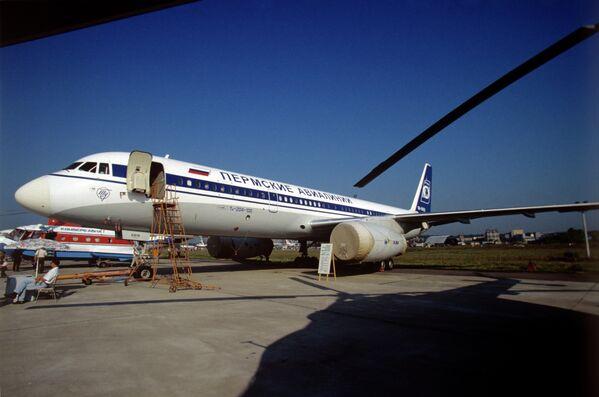Среднемагистральный самолет ТУ-204-100
