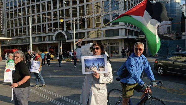 Акция в защиту детей Палестины на площади Бель-Эр в Женеве