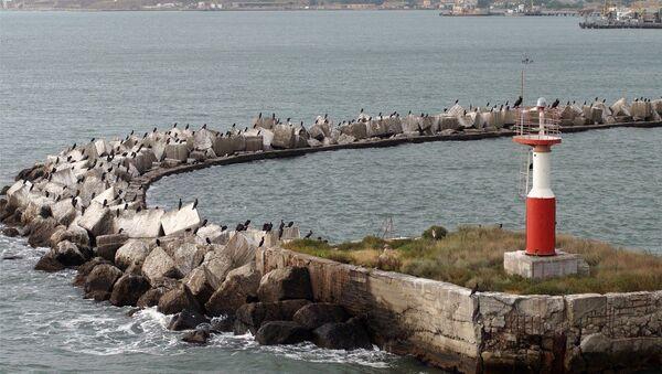 Вид на бухту в Крыму. Архивное фото