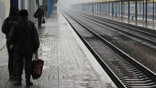 Железнодорожный вокзал Симферополя после прекращения Украиной движения пассажирских поездов через границу с Крымом