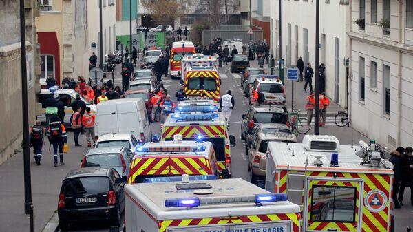 Машины полиции на улицах Парижа после нападения на редакцию журнала Charlie Hebdo. Архивное фото