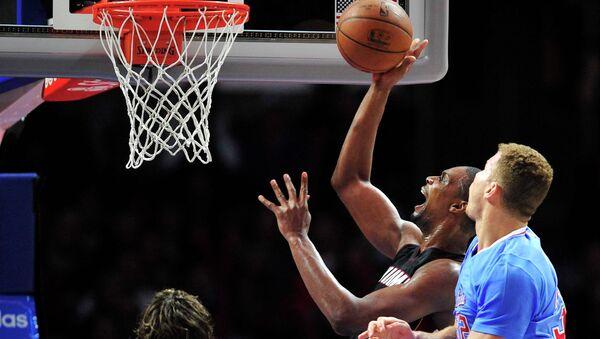 Баскетболисты Майами Хит против команды Лос-Анжелес Клипперс