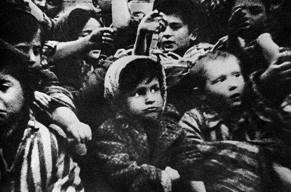 Маленькие заключенные в концентрационном лагере Освенцим