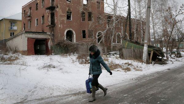 Дом разрушенный в результате обстрела на Украине. Архивное фото