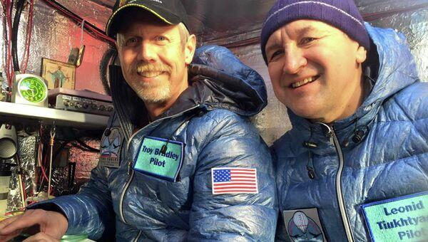 Россиянин Леонид Тюхтяев и американец Трой Брэдли на воздушном шаре