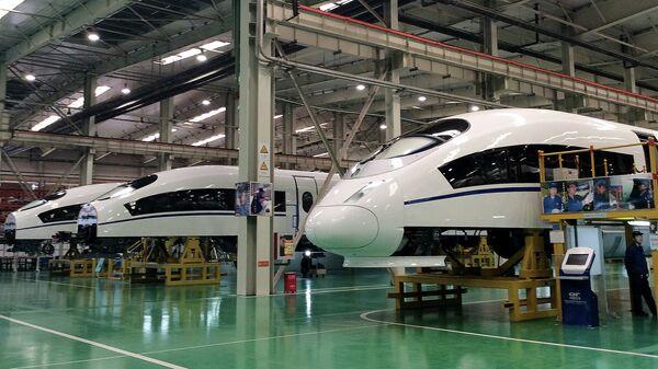 Постройка высокоскоростных поездов в Китае