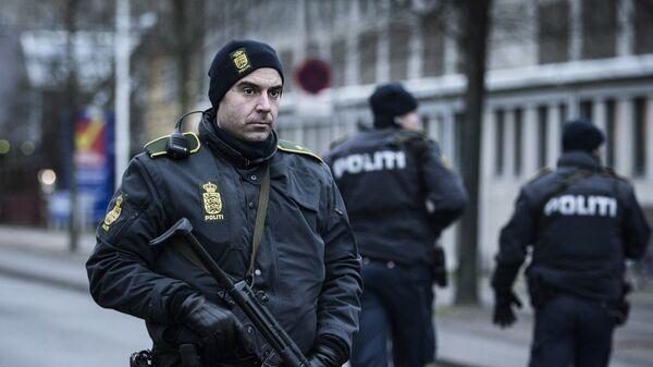 Полиция Копенгаген возле здания вокзала. Архивное фото