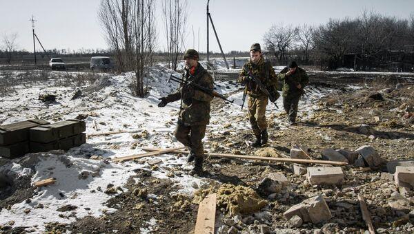 Ополченцы Донецкой народной республики в окрестностях Дебальцево